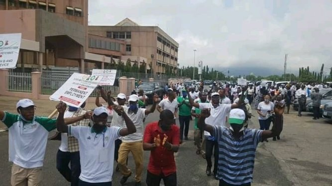 N-Power Beneficiaries From 36 Nigerian States Storm Abuja