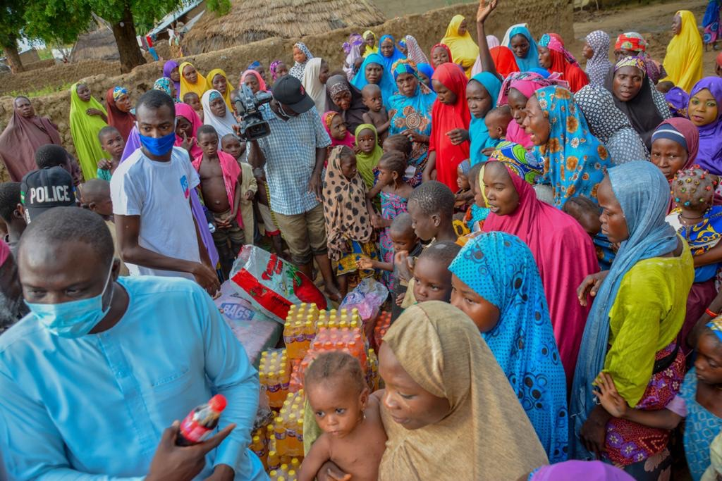 Women Islamic groups in Kebbi pray against calamities as Medicaid foundation distributes palliatives ​